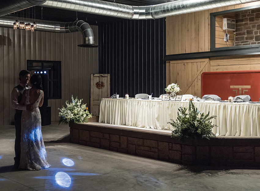 bride and groom 1st dance at Seven T Farms outdoor st louis area wedding venue in sullivan missouri