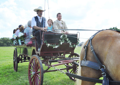 Seven T Farms Horse and carriage with groom and relatives